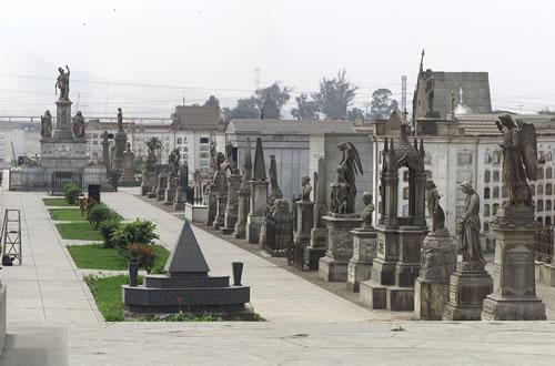 Cementerio Presbítero Matías Maestro (Lima)
